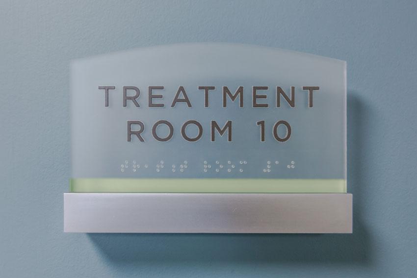 brail room signs